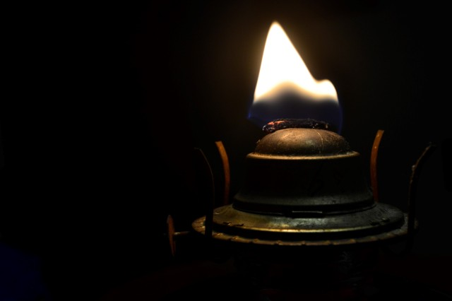 Oil Lamp 4.jpg